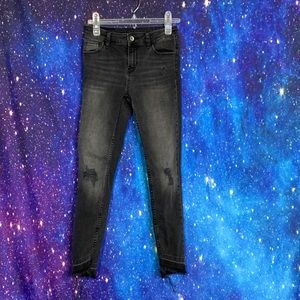 Zara- Black Distressed Skinny Jeans Raw Hem size 2